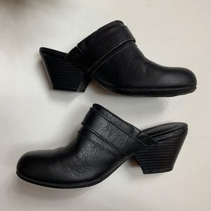 boc Shoes - Boc Black Leather Clogs size 6